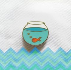 An aquarium pin. For an aquatic kinda day. Bloup bloup.