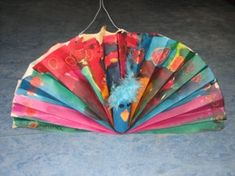 jufjanneke.nl - Sint Maarten Peacock, Origami, Paper Crafts, Kid Stuff, Animals, Paper Lanterns, Art Education Resources, Tissue Paper Crafts, Paper Craft Work