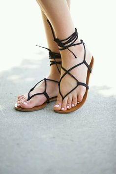 Shop Women's Steve Madden Black size 6 Sandals at a discounted price at  Poshmark. Description: Steve Madden black werkit sandal, wore once.