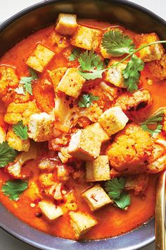 Coconut Curry Soup With Cauliflower and Tofu - Tofu Bowl Rezepte Tofu Curry, Coconut Milk Soup, Coconut Milk Recipes, Cauliflower Curry, Tofu Recipes, Baby Food Recipes, Vegetarian Recipes, Cooking Recipes, Kitchens