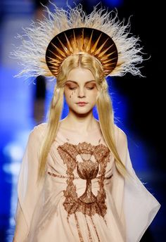 Jean Paul Gaultier, Spring 2007 Jessica stam. I chose this piece because i like  how it looks like a halo, and allows room for other things to be added.