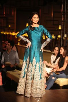 Manish Malhotra showcases 'Portraits' at India Couture Week 2014 - Fashion Central India Indian Gowns, Indian Attire, Indian Outfits, Lakme Fashion Week, India Fashion, High Fashion, Indian Bridal Wear, Indian Wear, Saris