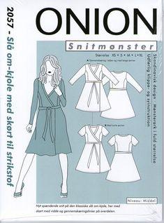 Onion 2057 wikkeljurk mt XS-XL - www. Retro Print, Wool Fabric, Diy Clothes, Onion, Sewing Projects, Sewing Patterns, Knitting, Blog, Design