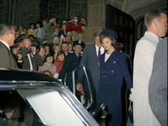 1961. 8 Octobre. Jack et Jackie. St. Mary's Church. Newport, Rhode Island