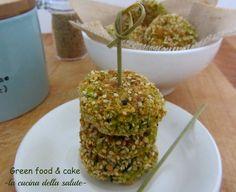 Polpette di cous cous e zucchine http://blog.giallozafferano.it/greenfoodandcake/polpette-di-cous-cous-e-zucchine/