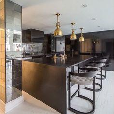#kitchen#interior#interiors#interiordesign#interiordesigner#dekorasyon#mutfak#tasarim#ideas#houzz#decor#stool#modern#elledecor#ad#housebeautiful#instyle#aydinlatma#lighting#mermer#floor#plan#tezgah#geanit#seramik#photooftheday#bestoftheday#instakitchen#instahome#kitchenrenovation