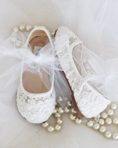 a0570e067707 Girls WHITE Crochet Lace shoes - Maryjane Flats With Tulle Bow Flower Girl  Shoes