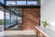 Stunning Brick Architecture Inspirations Photos Stunning Brick Architecture Inspirations P Australian Architecture, Contemporary Architecture, Recycled Brick, Concrete Interiors, Brick Interior, Concrete Architecture, Exposed Brick Walls, Brick Facade, Natural Building