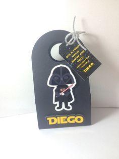 Mini Cestinha Star Wars com o Darth Vader, acompanha tag. Pode ser usado na decoração e lembrancinha. Ideal para até 2 bombons