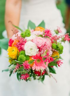 #Bouquet | Brilliant Colors | Photo: katiestoops.com | Can anyone break this down for us? I spy...