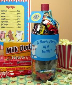 Movie Party in a Bottle - Homemade Gifts for Kids Creative Gifts, Cool Gifts, Best Gifts, Awesome Gifts, Bottle Cut, Kids Bottle, Craft Gifts, Diy Gifts, Holiday Gifts