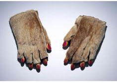 Meret Oppenheim. Fur gloves with wooden fingers, 1936.