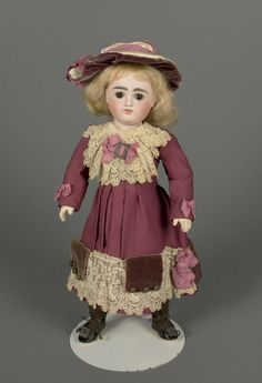 79.10677: doll | Dolls from the Early Twentieth Century | Dolls | Online Collections | The Strong