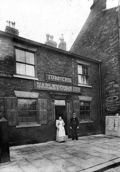 Barleycorn Inn, Upper Moor area of Town Street. Leeds Pubs, Leeds City, Sheffield Pubs, Sheffield England, Nice Photos, Old Photos, Pub Interior, British Pub, Old Pub