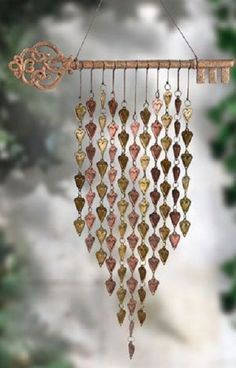 47 Beautiful Beaded Wind Chime to Add Sparkle to The Garden - GODIYGO.COM - Beautiful beaded wind chime to add sparkle to the garden 40 Informations About 47 Beautiful Beaded W - Wire Crafts, Diy And Crafts, Sun Catchers, Diy Wind Chimes, Wind Spinners, Dreamcatchers, Beads And Wire, Wire Art, Mobiles