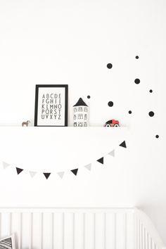 Black and white kids room details