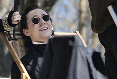 Tom Hiddleston filming Oh my, Dracula's glasses! Photos via Spec<< lol, sweet life Tom Hiddleston Crimson Peak, Sweet Life, Dracula, On Set, Loki, Actors, Glasses, Film, People