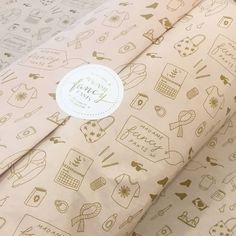 Design your own customised tissue paper with your brand's logo online. Upload your logo and design in real time! With our platform, branded printing on tissue paper is noissue. Paper Packaging, Cute Packaging, Brand Packaging, Packaging Design, Branding Design, Ad Design, Design Patterns, Print Design, Graphic Design