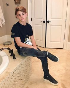 General picture of MattyB - Photo 392 of 1771 Cute Teen Guys, Cute 13 Year Old Boys, Young Cute Boys, Cute Teenage Boys, Teen Boys, Hot Army Men, Sexy Military Men, Kids Photography Boys, Photography Poses For Men