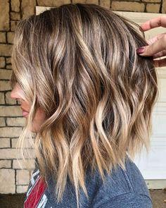 Choppy Bob Hairstyles Messy Lob, Choppy Hair, Hair Doo, Blonde Hair Looks, Cut Her Hair, Medium Hair Cuts, Shoulder Length Hair, Hair Today, Balayage Hair