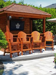 Darcy Ste. Marie of Toronto did an awesome job on his chairs and bar.