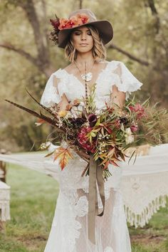 2018 Wedding Trend: 30 Hats For Brides And Grooms Lilac Wedding, Boho Wedding, Floral Wedding, Wedding Colors, Fall Wedding, Wedding Styles, Dream Wedding, Wedding Jewelry, Wedding Rings