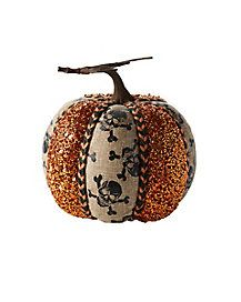 The perfect mix of spooky and sweet, this skull glitter pumpkin is perfect for shaking up any dull pumpkin display!