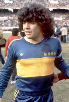 Maradona Played for Boca...The Juniors represents the people, the working class, the laborer, the farmer, the rancher, the office worker, the honest person, the immigrant, the Porteño with established roots.  In other words, Boca is Argentina. #futbol #soccer #futebol #argentina #boca #maradona