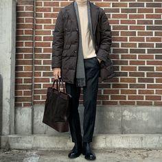 Preppy Winter, Winter Looks, Men Looks, Mens Fashion, Real Men, Coat, Classic, How To Wear, Jackets