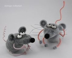 Crochet Patterns Amigurumi Doll Mice Ideas For 2019 Crochet Mouse, Crochet Baby Hats, Crochet Dolls, Puppy Diapers, Crochet Pillow Cases, Cat Scarf, Crochet Flower Tutorial, Crochet Amigurumi Free Patterns, Christmas Knitting