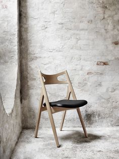 The Sawbuck Chair. D