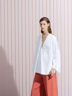 17 ideas for fashion minimalist chic white shirts Fashion Brand, Love Fashion, Fashion Outfits, Fashion Tips, Fashion Design, Petite Fashion, Plain White Shirt, White Shirts, White Blazers