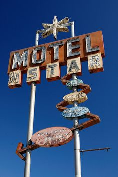 Neon Signs ... Motel Big Star