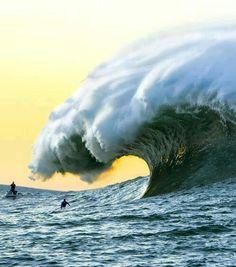 Massive rogue wave in Brazil