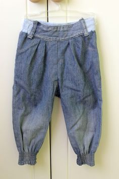 Baby jeans from reused trousers
