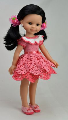 """something about the skirt. maybe make top layer with """"pointy' petals, and bottom with rounded scallops. Crochet Doll Dress, Crochet Doll Clothes, Knitted Dolls, Vestidos Nancy, American Girl Crochet, Cute Baby Dolls, Doll Dress Patterns, Beautiful Crochet, Barbie Clothes"""