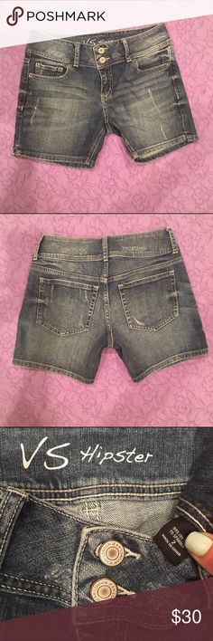 "VS double button Hipster shorts These shorts will flatter a curvy size 2. The double button and tapered waist band prevent back-gap💋. Ladies' length 5"" inseam for modest comfort. No longer my size. Like new condition. Discontinued. Victoria's Secret Shorts Jean Shorts"
