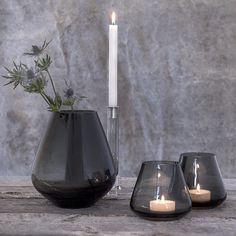 ⭐️Deilig å komme hjem etter jobb på fredagen og nyte noen dager fri, for dem av dere som kan det Her er ROCKS lykter og lysestaken. En fantastisk serie designet av @halvor.bakke Foto @monanordoy www.magnor.no #magnorglassverk #magnor #rocks #vase #lykt #lysestake #halvorbakke #norskdesign #design #hverdagsluksus #interiør #inredning #interior #interiordesign #gavehusno1 #tilbords #bohus #designforevig
