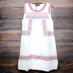 boho chic red embroidered white shift day dress bohemian free spirt urban gypsy outfit hippies dresses southern women's fashion