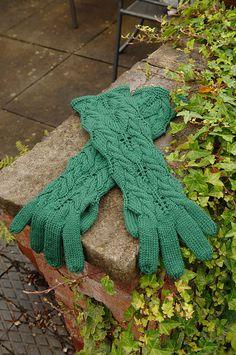 Ravelry: Autumn Forest Gloves pattern by Kyoko Nakayoshi
