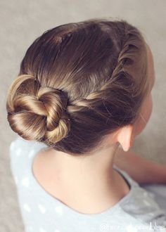 Twists and Rope Twists are, according to me, the easiest braids to do. So, here's an undo that uses both of them and is very easy to accomplish. I love adding little accents to buns, so thi…