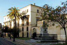 Fachada lateral del Palacio Domecq, en Jerez de la Frontera, Cádiz (Andalucía, España).