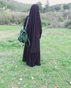 Süper soft krep  #selamunaleykum Bu fotoğrafın altına yorum yaparak sayfamızın daha çok kişiye ulaşmasına yardımcı olabilirsiniz ☺RABIA… Hijab Niqab, Muslim Hijab, Mode Hijab, Hijab Outfit, Muslim Girls, Muslim Couples, Muslim Women, Muslim Fashion, Hijab Fashion