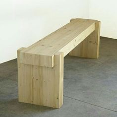 This bench is soo cool! I love the chunkiness of it. #diybench #diyproject #diy