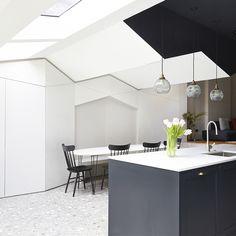 slabs more economical than poured terrazzo, joins barely visible - Folds - Finsbury Park, London - BdC / In Opera - 2014 Terrazzo Flooring, Kitchen Flooring, Australian Interior Design, Interior Walls, Elle Decor, E Design, Kitchen Design, House, North London