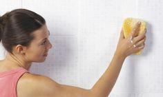 como limpiar los azulejos del baño Cepillo de dientes, vinagre, bicarbonarto, lavavajillas, agua
