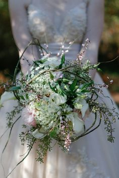 Romantic and Earthy Bouquet for a Vintage-style Wedding - Ruffled Knot: Retro and Vintage Wedding Marketplace and Blog