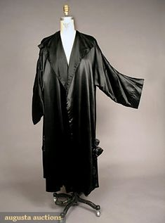 Worth, Paris Evening Coat, 1910-1920, Augusta Auctions, May 2007 Vintage Clothing & Textile Auction, Lot 567