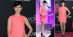 Anne Hathaway aposta em vestido tubinho rosa sem exagerar no romantismo. Aprenda a usar! - A atriz Anne Hathaway apostou em um vestido tubinho rosa com acessórios pretos durante a 'Pink Party'. Confira as dicas do stylist Raphael Mendonça e veja como usar!