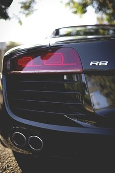 One hell of a behind! #AudiR8
